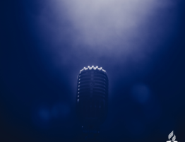 microphone in foggy haze
