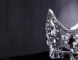 offset tiara